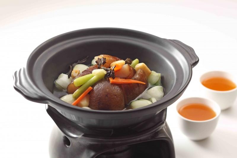 水仙蔥燒海參茶煲